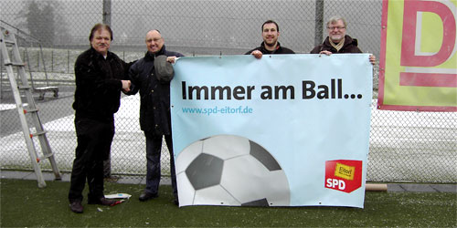 Neuer Banner Sportplatz
