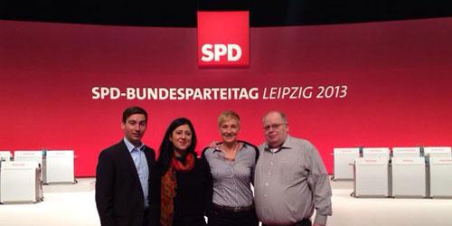 Sebastian Hartmann und Sara Zorlu auf dem Bundesparteitag in Leipzig