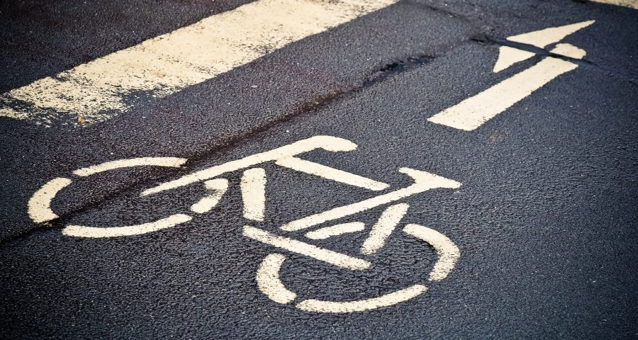 Straßenmarkierung eines Fahhrades